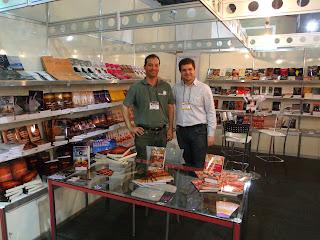 Ao lado de meu editor, Maurício Paraguassú