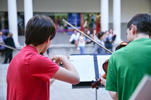 La casa dels pianos m sica cl ssica al carrer for Casa discografica musica classica