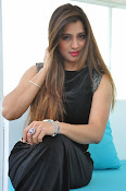 Farah khan glamorous photos-thumbnail-16