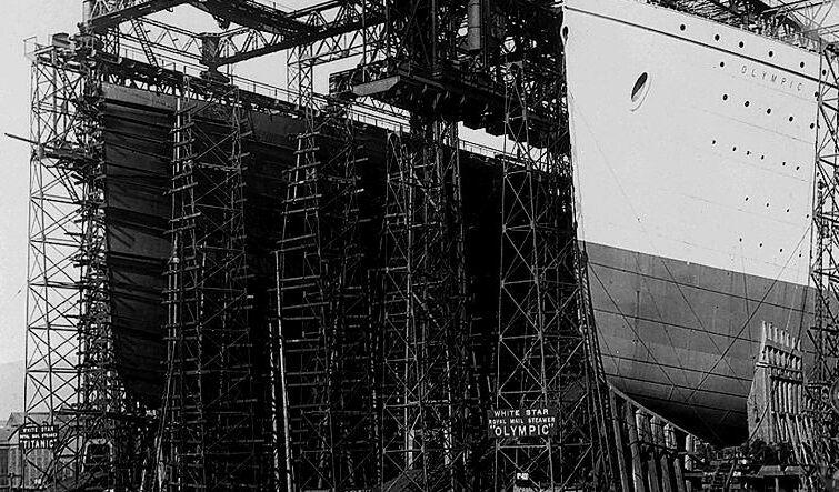 Documentary Photographs of Titanic: Titanic and