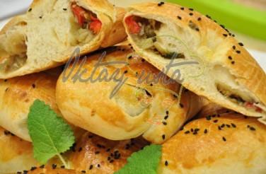 Maydonozlu Patlıcanlı Biberli El Açmalı Börek Tarifi