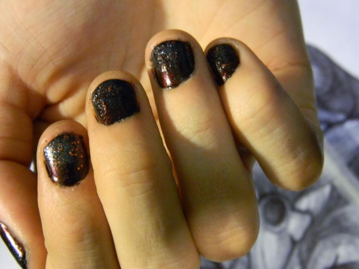 Dark Glitter Ombre Nail Art Tutorial: Sinful Colors 1134 Black Magic ...