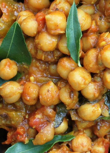 Scrumpdillyicious: Chana Masala: A Delicious Indian Chickpea Curry