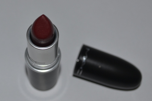 mac-dark-red-lipstick-wine-diva