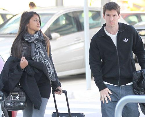 Lionel Messi And Antonella Roccuzzo 2012 Lionel Messi With Girlfriend