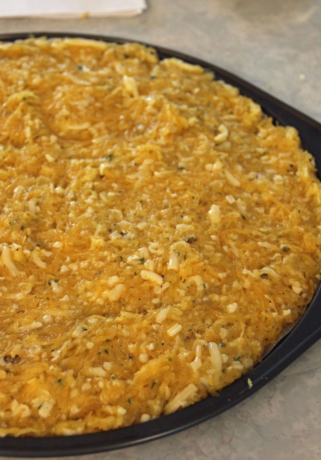 Oct 17, · 1 medium spaghetti squash. 2 tbsp coconut flour. 1 egg. 1 tsp dried oregano. 1/2 tsp garlic powder. 1/2 tsp salt. Freshly cracked black pepper, to taste. Pizza toppings: tomato sauce, cheese, pepperoni, mushrooms, vietapk.mlgs: