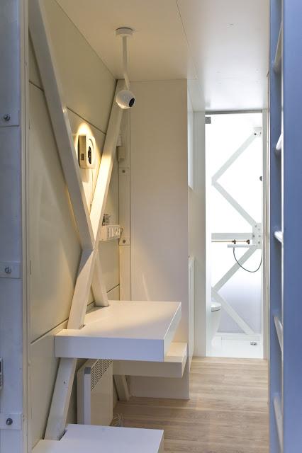 Ванная комната в самом узком доме в мире
