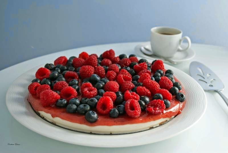 Mondays We Cook: Fruit of the Forest Cheesecake