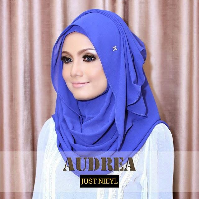 Just Nieyl Shawl Audrea