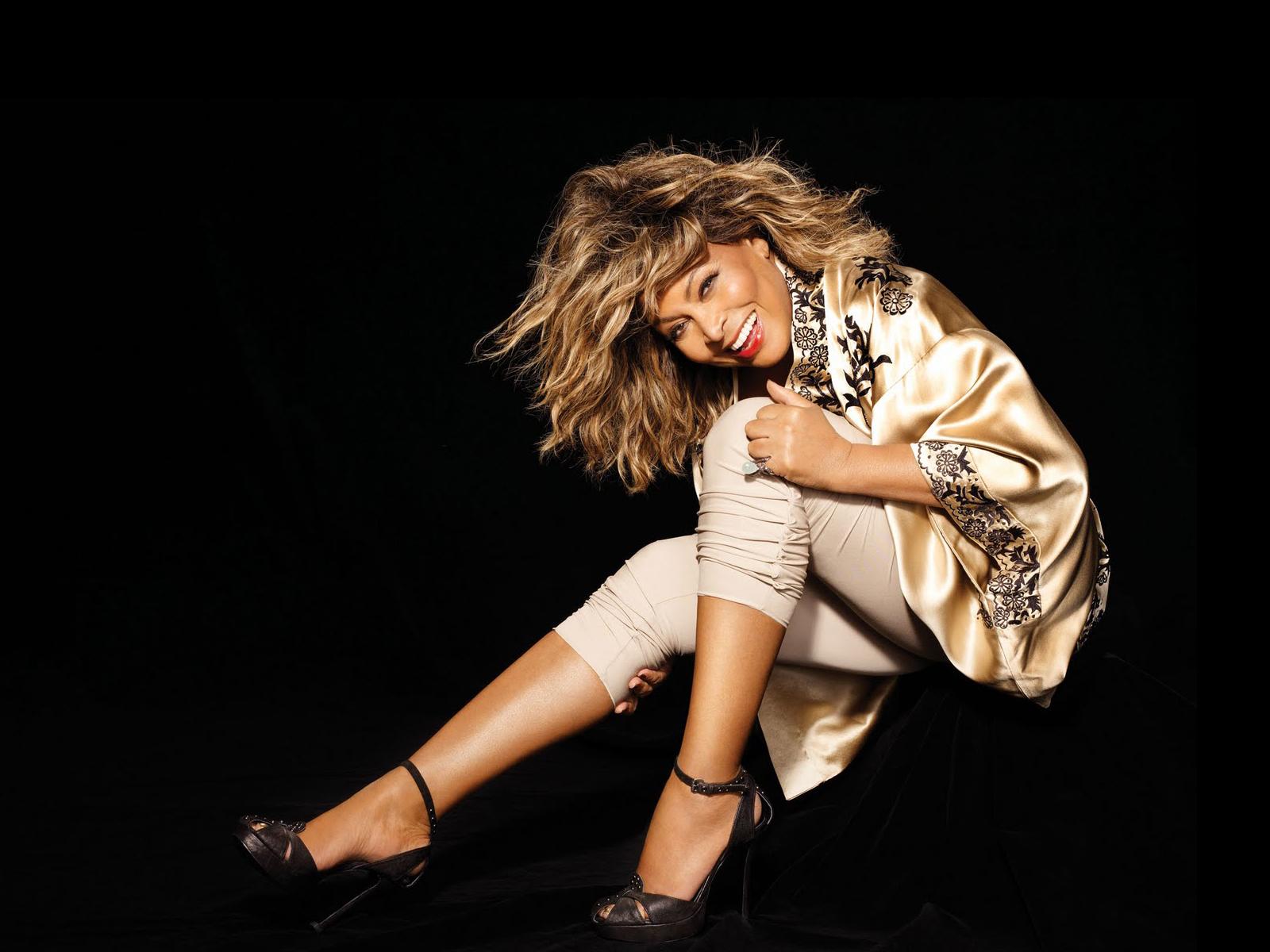 http://3.bp.blogspot.com/-598iNG5Oz1g/UN20lhuDRGI/AAAAAAAAWuk/w4U84Y7z1tc/s1600/Tina-Turner-004a.jpg