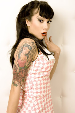PIN UP GIRL!