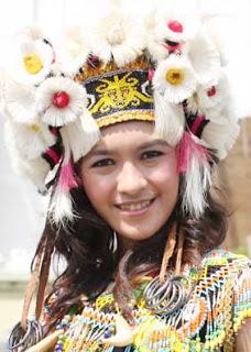 Suku Dayak Badat