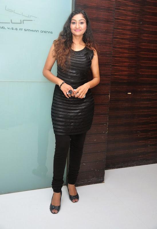 Tamil Actress Neelima Rani Hot Photo Shoot Gallery navel show