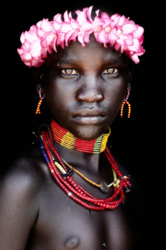 Safari Fusion blog | Photographer Mario Gerth | African photographic portraits | Tribes of the Omo Valley Ethiopia © Mario Gerth