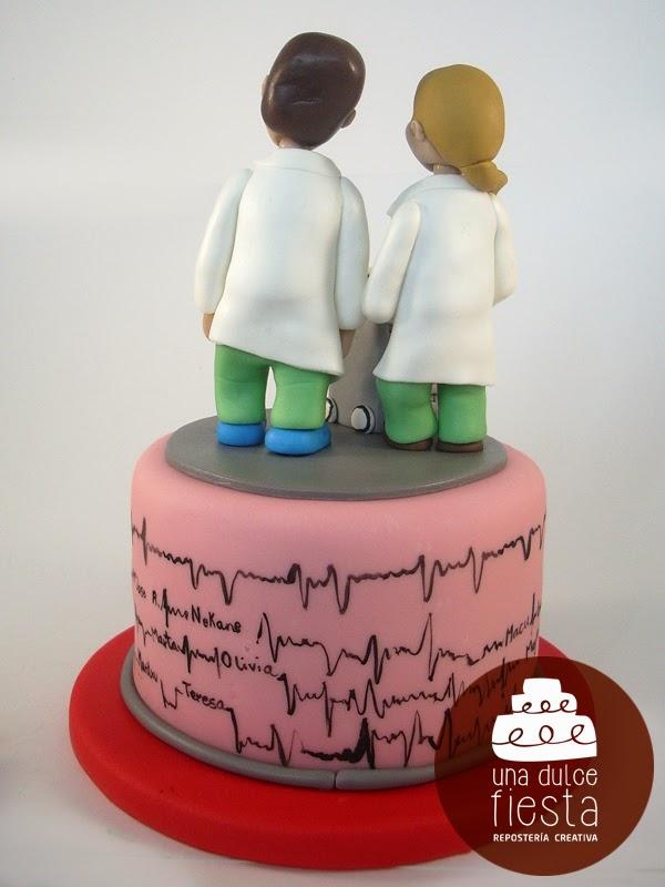 Tarta fondant personalizada cardiologia 4