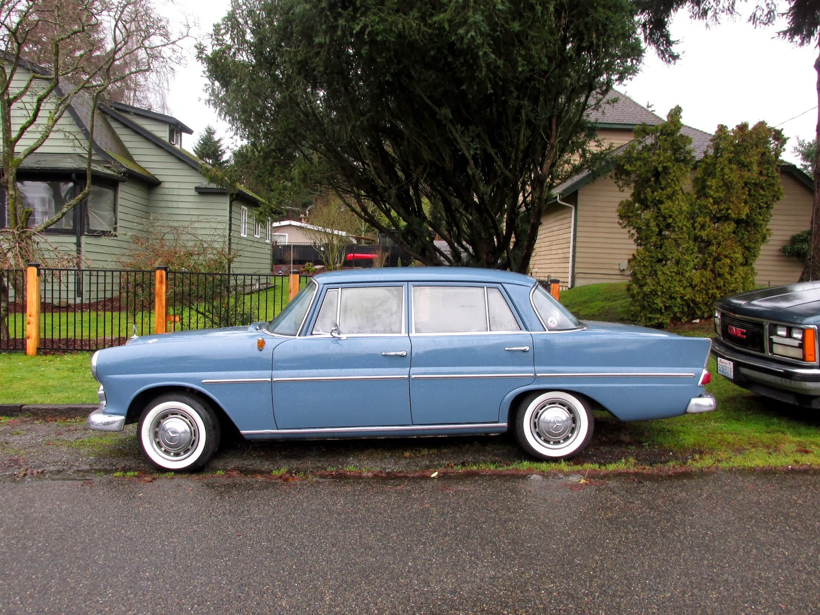 Seattle 39 s classics 1963 mercedes benz 190d sedan for Mercedes benz seattle