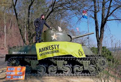 http://amnesty-luxembourg-photos.blogspot.com/2013/04/enfin-un-traite-sur-les-armes.html