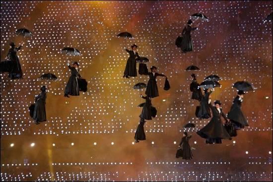 persembahan-mary-poppins