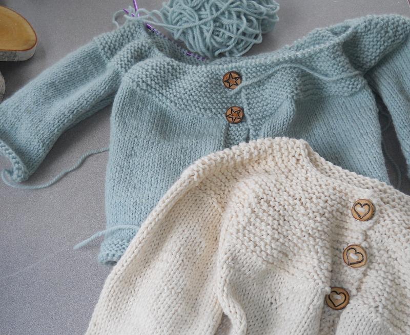 Plain and Joyful Living: Knitting Sweaters