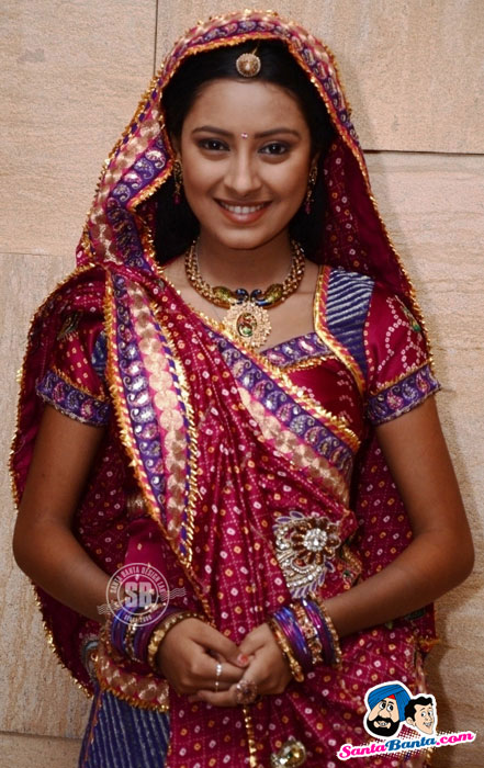 Pratyusha Banerjee - Balika Vadhu's 1000 episode completion party
