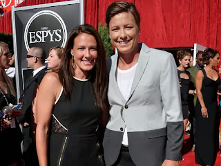 Abby Wambach marries longtime partner, soccer player