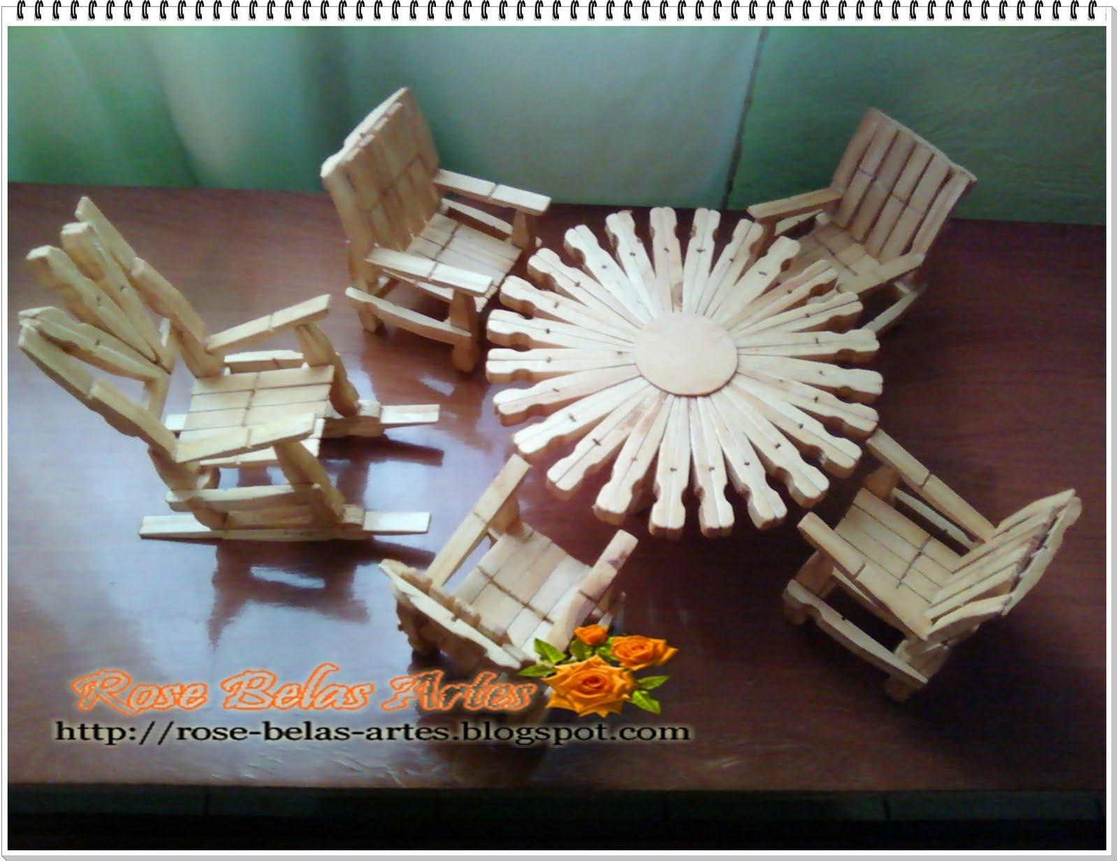 conjunto de mesa cadeira e cadeira de balanço feito com grampos de  #486683 1600x1233