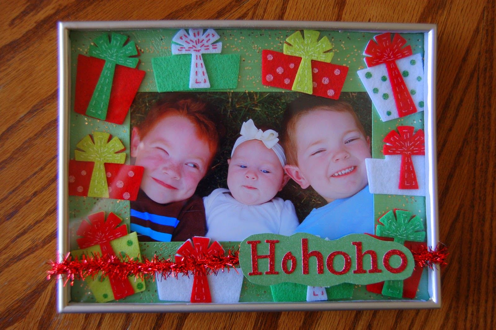 DIY Christmas Picture Frames | I Heart Crafty Things