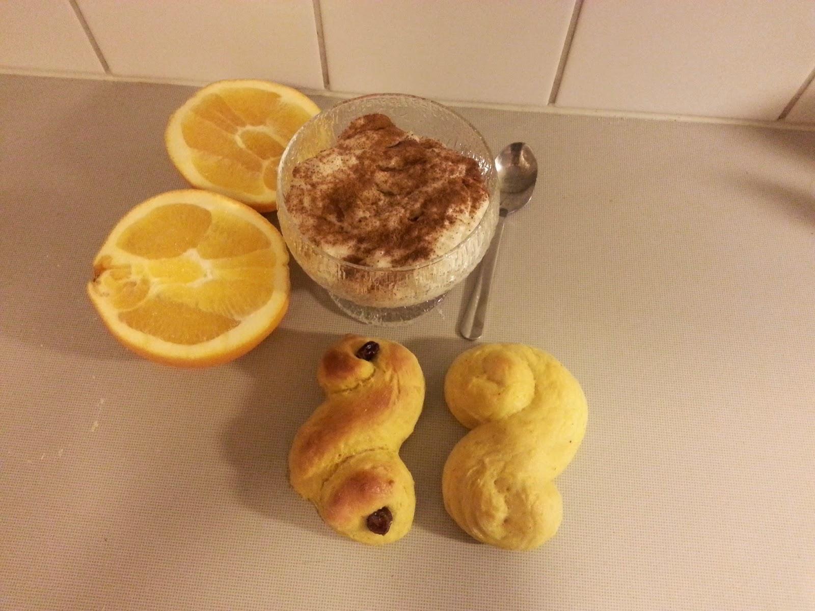 how to serve saffron buns