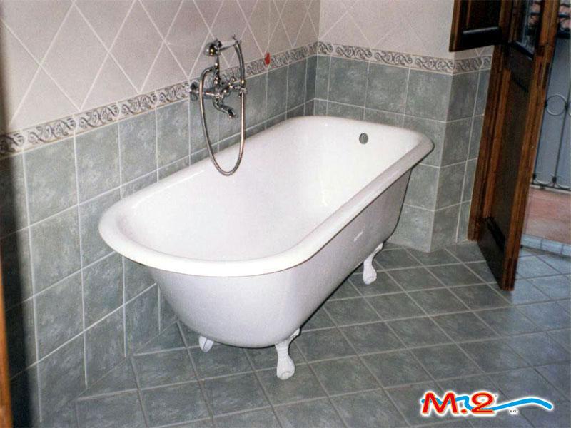 Vasca Da Bagno Con Piedini Dimensioni : Rismaltatura vasche da bagno m.2 trasformazione vasca in doccia e