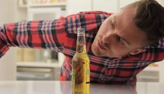 Πως να ανοίξετε μια μπύρα χωρίς να την αγγίξετε [video]
