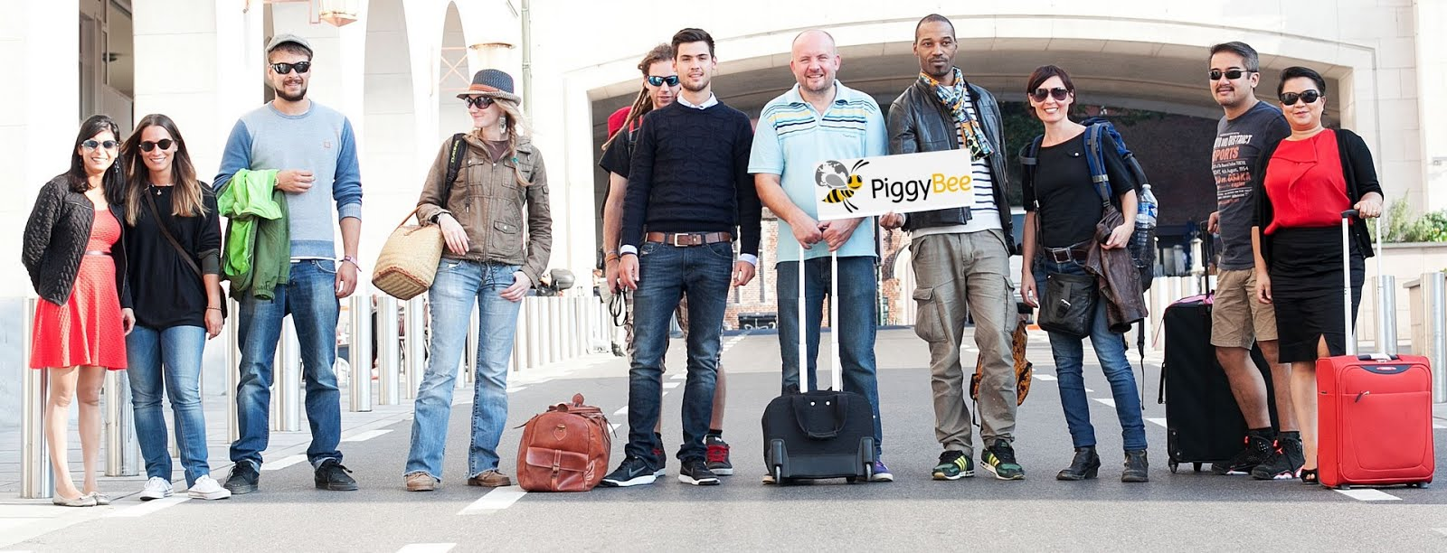 PiggyBee - The Crowdshipping Community