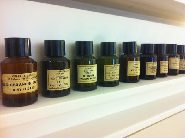 Come si crea un profumo - Come diventare naso - Grasse - Palmolive bagnoschiuma