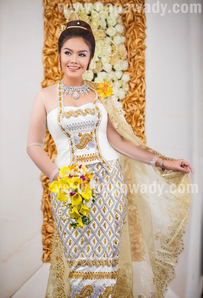 Ni Ni Khin Zaw With Beautiful Myanmar Dress