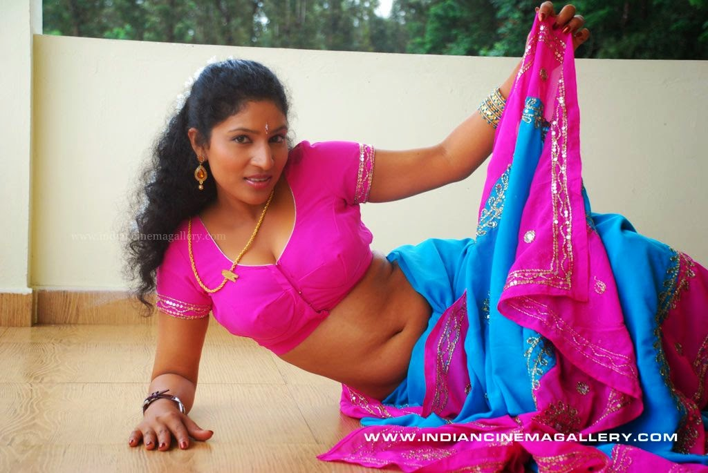 Actress Latest Hot pictures: Tamil B grade movie Kalla Parunthu ...