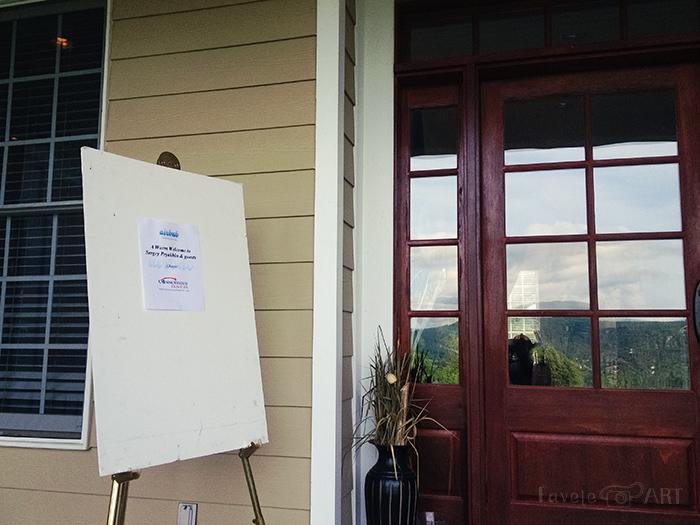 Приветствие на доме, который мы сняли через Airbnb