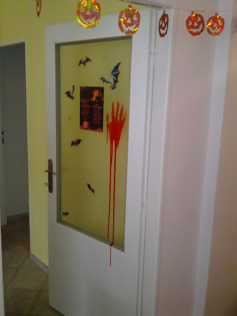 Bloody door, Halloween Menu