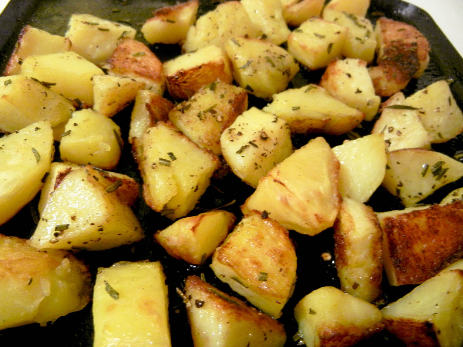 Rosemary Roasted Potatoes Recipe - newhairstylesformen2014.com