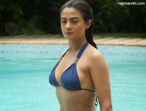Surveen Chawla: Hate Story 2