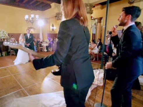 Maroon 5 kejutkan tujuh pasangan pengantin