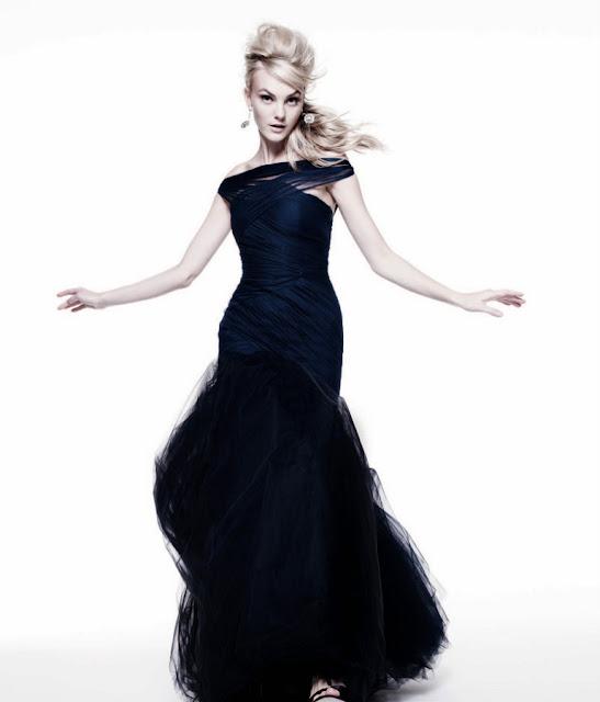Caroline Trentini sexy in black dress