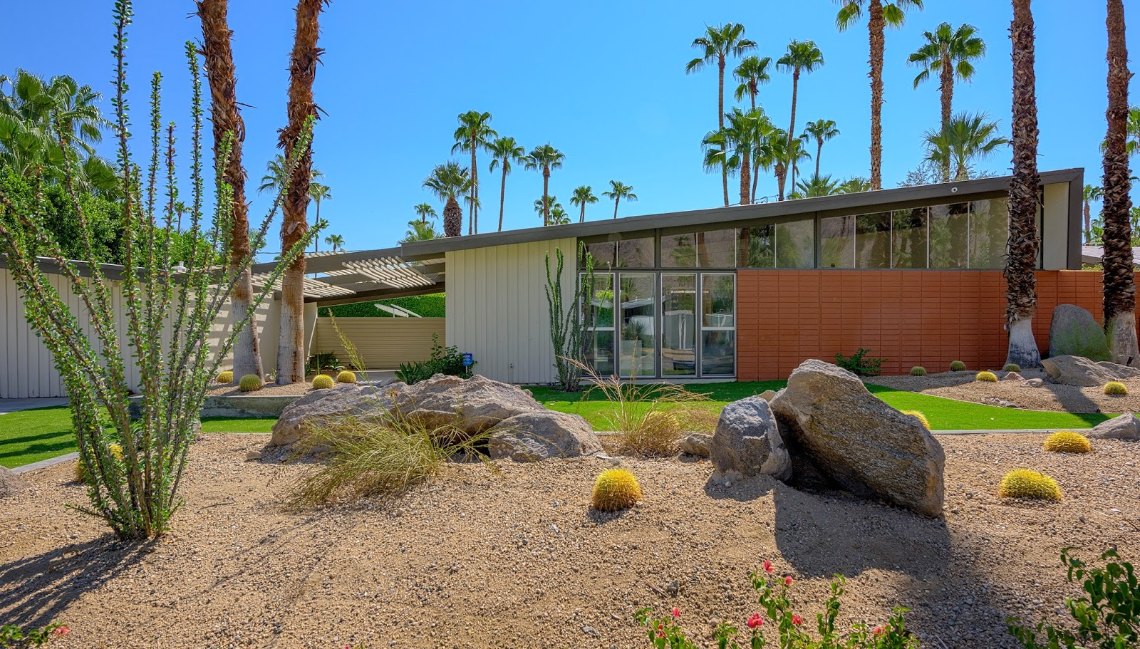 Color forte color design mid century modern project for Modern home decor palm springs
