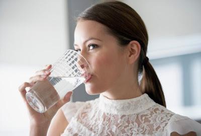7 Manfaat Minum Air Putih Hangat Di Pagi Hari [ www.Up2Det.com ]