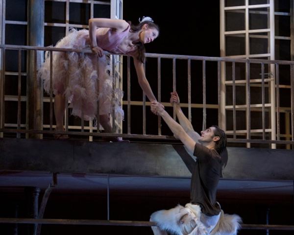 Romeo And Juliet Balcony Scene Romeo and Juliet: &#25...