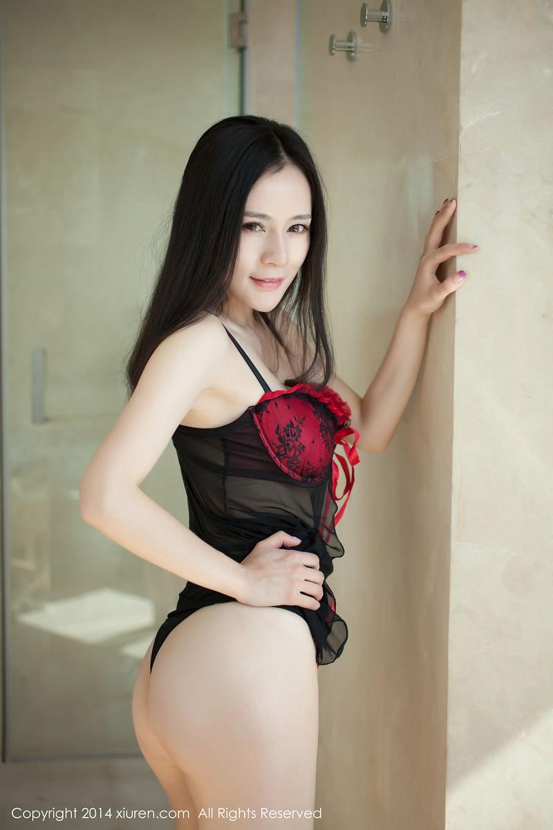 Ảnh gái đẹp HD Đỏ và đen to trắng mượt 6