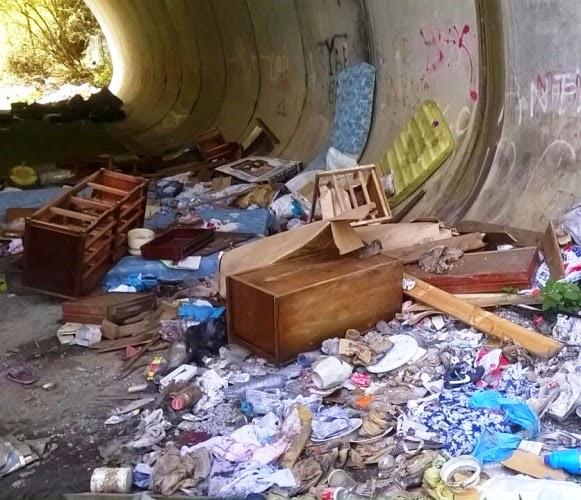 El Ayuntamiento de Muskiz retira residuos de vertederos incontrolados ubicados en la localidad