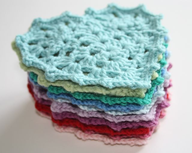 Free Crochet Granny Heart Pattern : Grannie Heart Tutorial