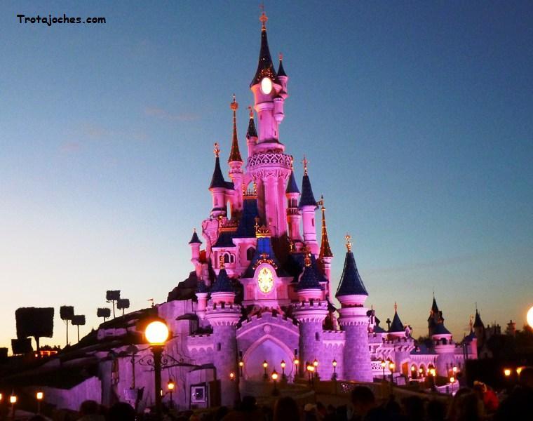 Organiza tu viaje a Disneyland París