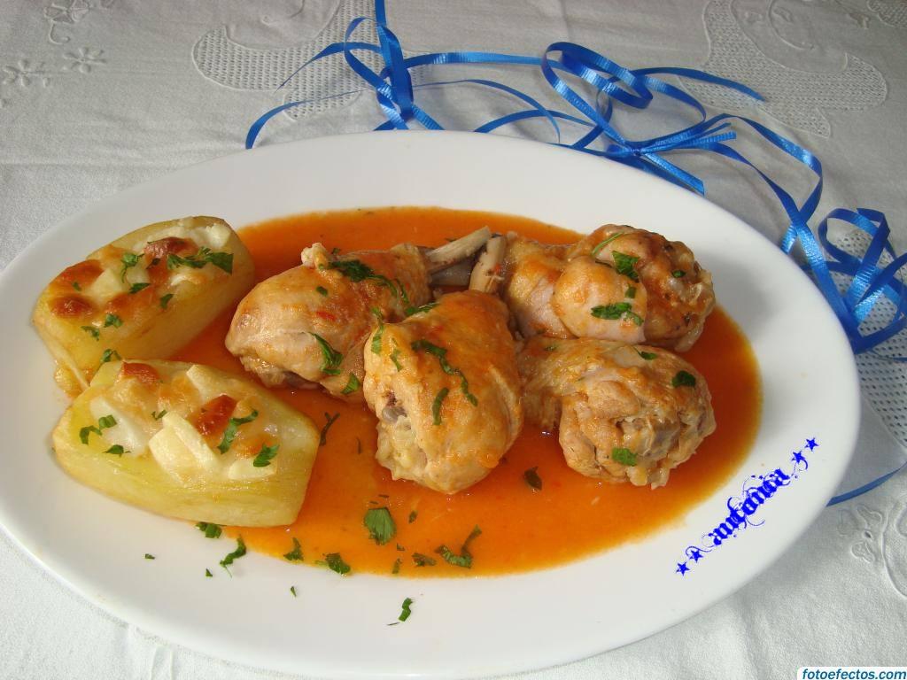 Comidas y postres muslos de pollo en salsa de pimientos y for Muslos pollo en salsa