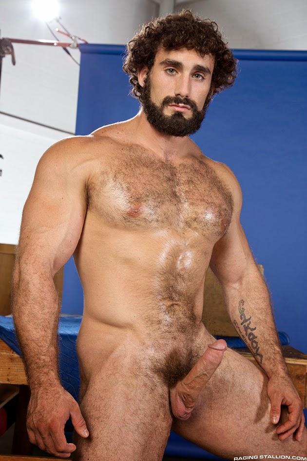golie-seksualnie-macho-foto