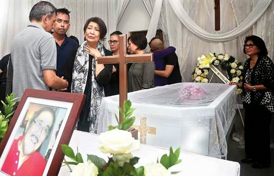 [FOTO] FRANS TUMBUAN SUAMI RIMA MELATI MENINGGAL DUNIA 2015